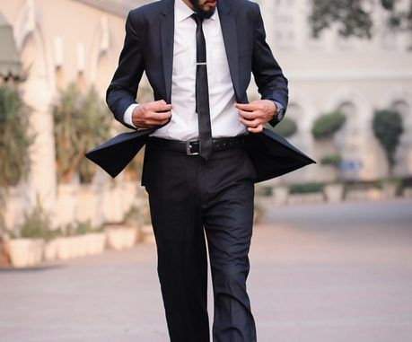 De lange man op chique: Mouwlengte-7 met dubbele manchet